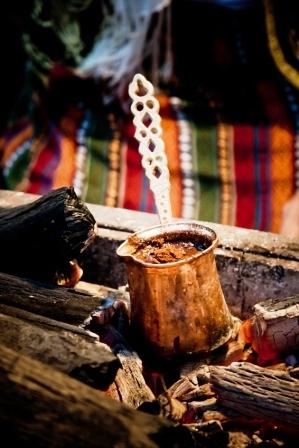 как варить кофе в турке на природе
