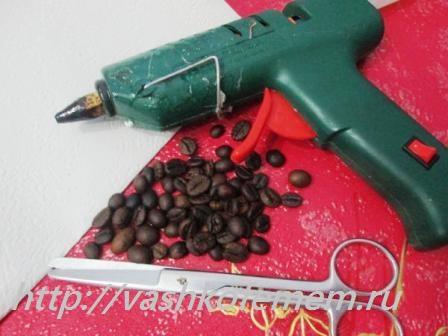 стильная елочка из кофейных зерен 1