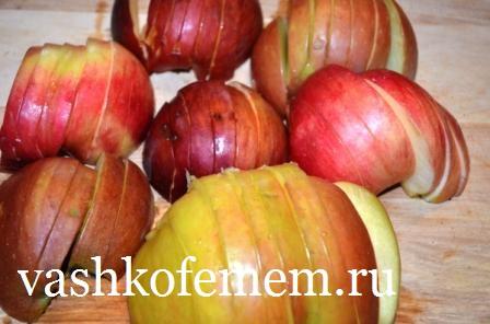 калорийность шарлотки с яблоками